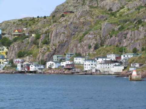 the battery village lies at the foot of signal hill